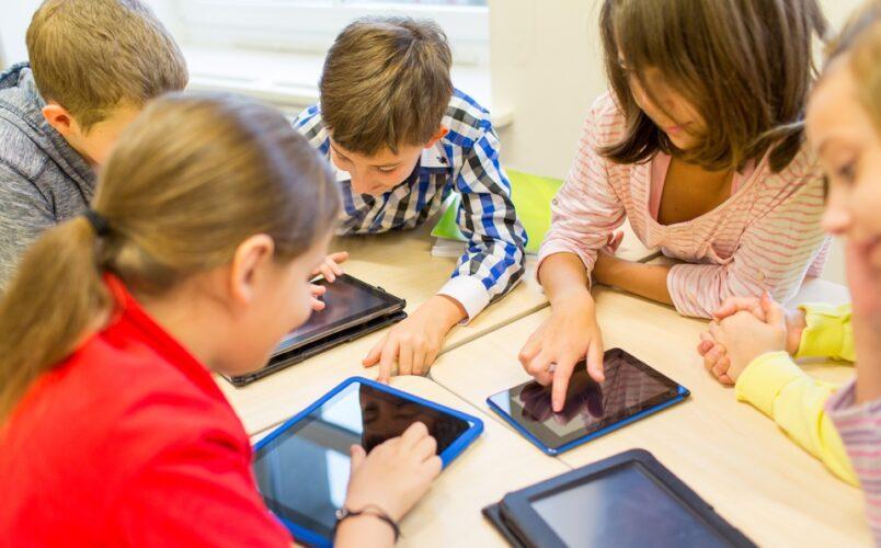 Minedu inicia proceso de compra de más de un millón de tablets para estudiantes y docentes